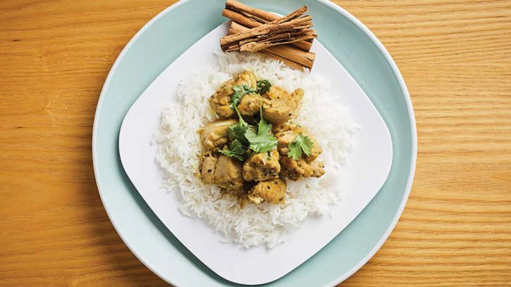 Mild chicken curry with rice